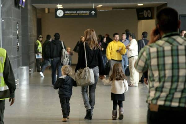Autorización de viaje de hijo(s) menores de edad al exterior